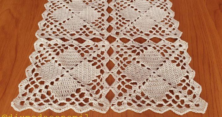 Como tejer camino de mesa o mantel con pastillas cuadradas a crochet