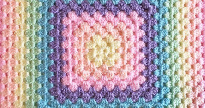 Crochet a Perfect Seamless Granny Square (& no twisting!)