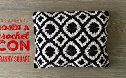 cojin a crochet con granny square