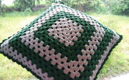 Almofada Dupla Face em Crochê - Quadrado Perfeito