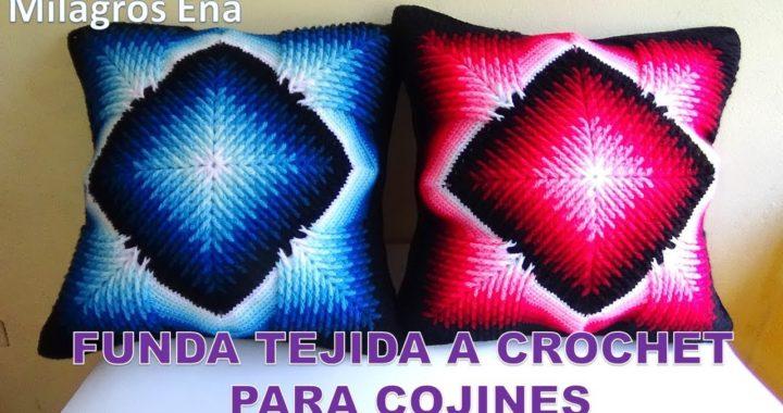 Funda Reversible para cojines tejidos a crochet con dos cuadrados distintos en puntos RELIEVES