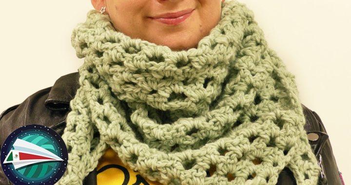 Chal triangular rápido de hacer con hermoso patrón de tejido calado para el otoño | DIY