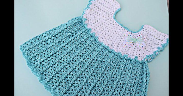 Vestido de niña a crochet con punto de abanicos