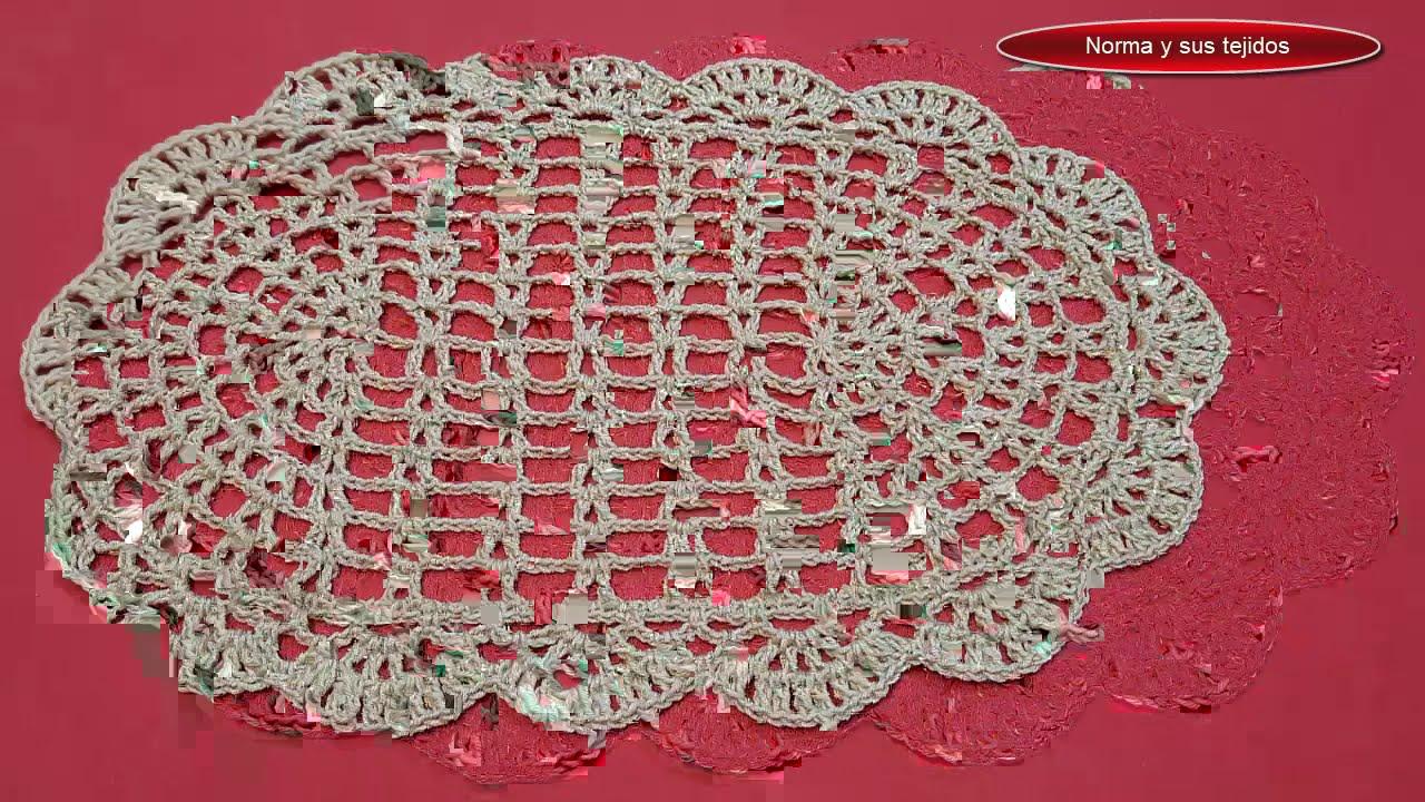 Carpeta a crochet ovalada
