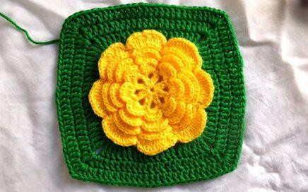 Square quadrado com flor para tapetes passo a passo completo   Crochê Da Jane