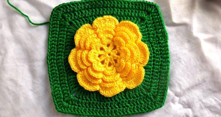 Square quadrado com flor para tapetes passo a passo completo | Crochê Da Jane