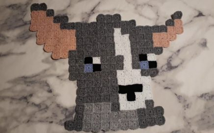 crochet chihuahua wallhanging, blanket