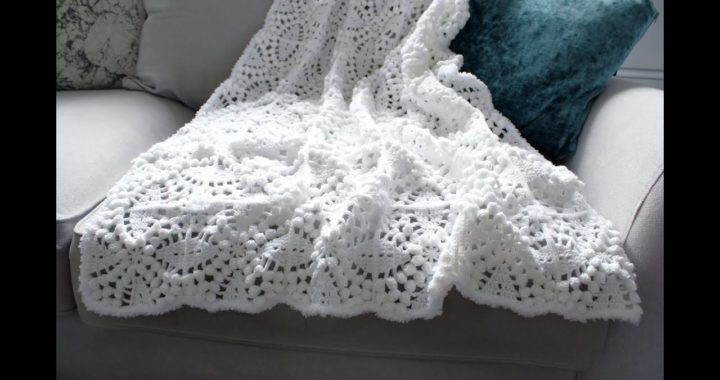 Crochet Blanket (How to Crochet Tutorial) popcorn stitch granny square. UK terms