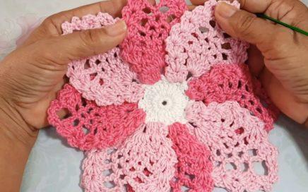 Flor simples em Croche com 22cm de diametro