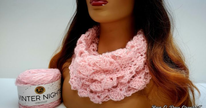 How To Crochet An Easy Cowl Scarf - A Winter's Tale - Bagoday Crochet Tutorial #644